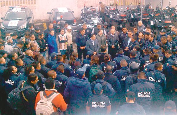 Paran policías  en La Reforma, finalmente llegaron a un acuerdo con el alcalde Raúl Camacho