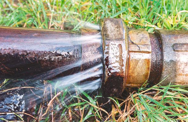 Caduca la vieja red para distribuir agua