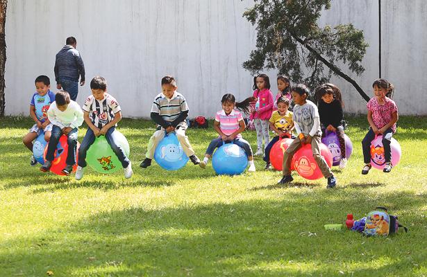 50 niñas y niños en curso de verano