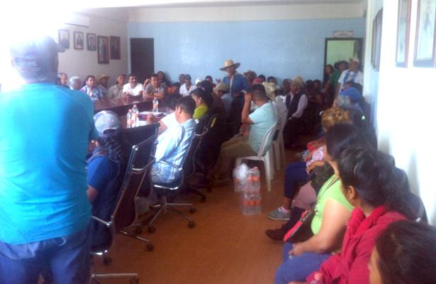 Habitantes toman  alcaldía de Chilcuautla