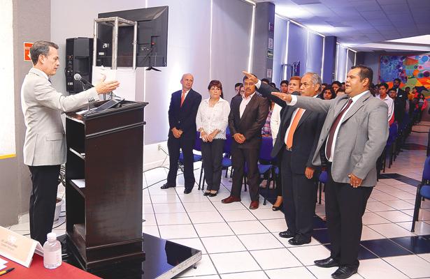 Continúan los nombramientos  académicos, administrativos  y jefes de área en la UAEH
