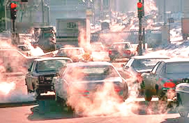 Multas ya contra todos los autos contaminantes