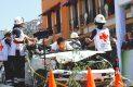 >> Simulando un acto de riesgo para salvar vidas humanas, paramédicos de la Cruz Roja Mexicana circularon por el primer cuadro de la ciudad, resaltando que su labor se realiza por el bienestar de los mexicanos, sin fines de lucro. Foto: El Sol de Hidalgo.