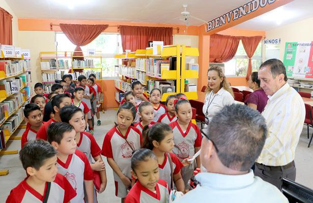 Promueven lectura con visitas guiadas a biblioteca en Huejutla