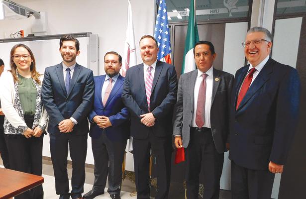 Vicecónsules norteamericanos  visitaron la Preparatoria Uno