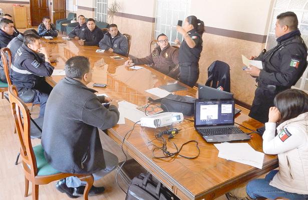 Capacitan a policías  de Tizayuca