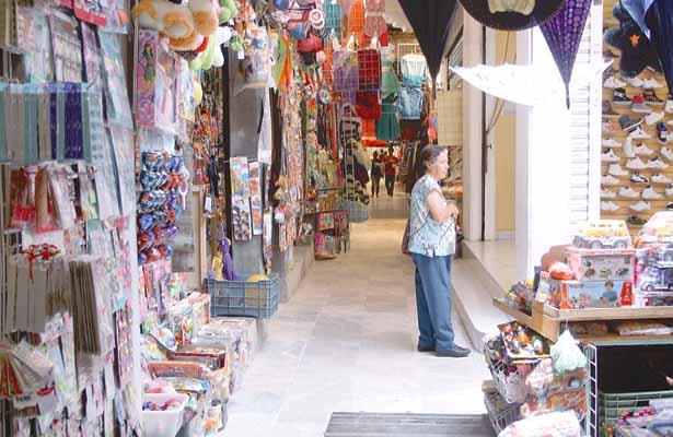 Bajísimas ventas en centros de abasto popular