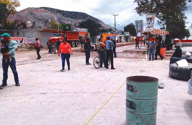 Vecinos exigen que empresas  paguen construcción de carretera