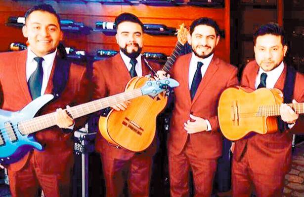 Los Príncipes, de Pachuca, a la alfombra roja junto con Gael García