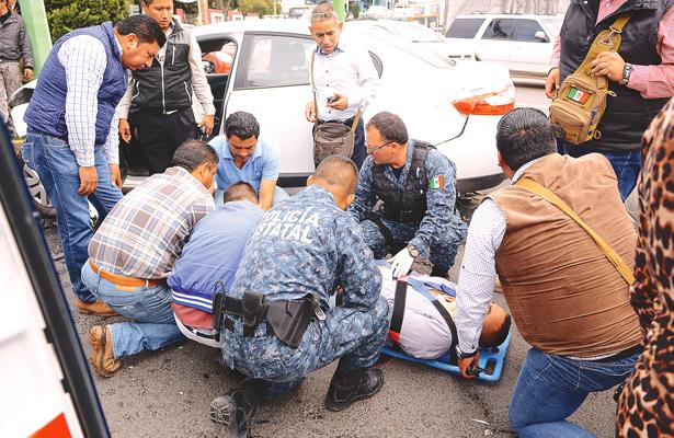 Policías, de malas: agentes de investigación, en choque