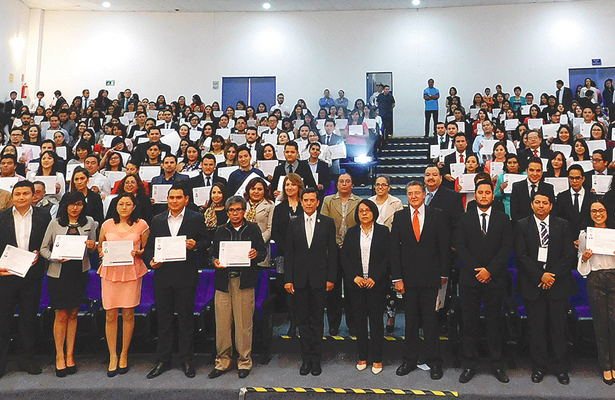 Alumnos de la UAEH concluyeron servicio social