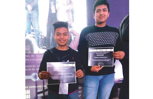 Brillante  participación de alumnos de la UPT en la Feria de Ciencias