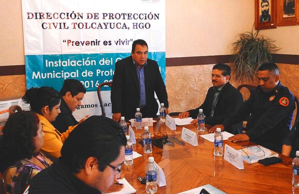 Pasado el temblor forman Consejo de Protección Civil