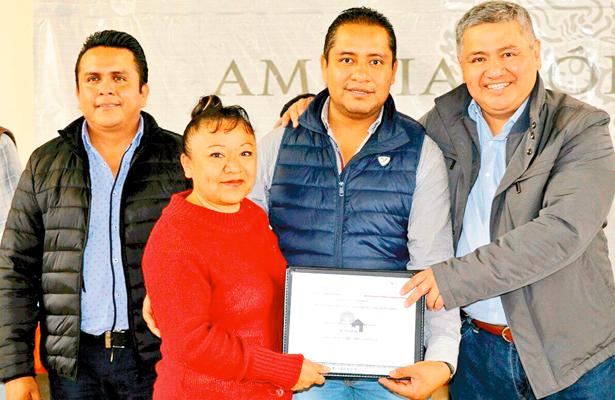 SEDATU delegación Hidalgo entrega  apoyos para mejorar la vivienda de familias