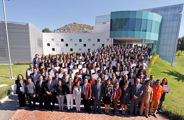 UAEH reconoce a académicos de tiempo completo