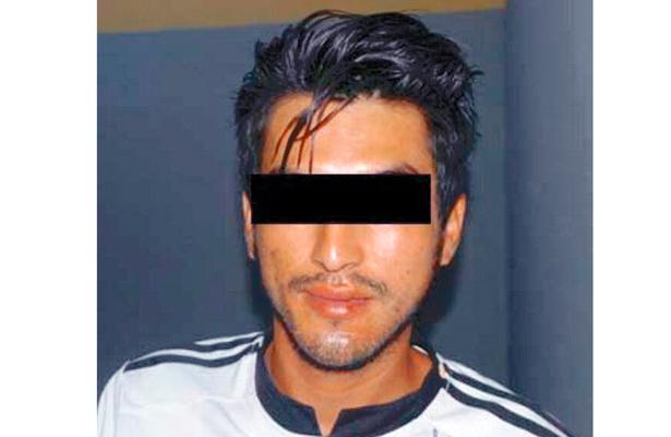 ¡Ódiame más!, robó cuatro playeras del ame; arrestado