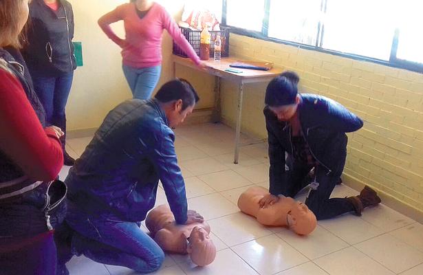 Elementos de PC Tepeji imparten curso de primeros auxilios