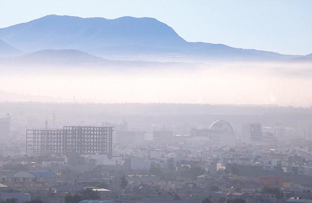 Contaminación aumenta; aún no piensan en el Hoy no Circula