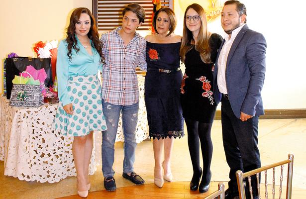 Grace, Gil, Alejandra, Karla y Feliciano. Foto: El Sol de Hidalgo.