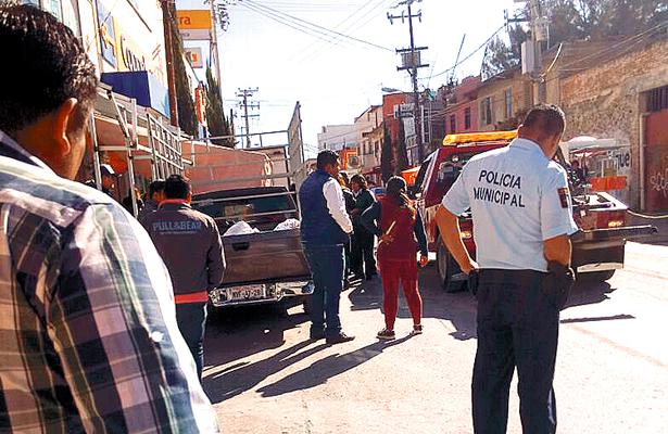 Conflicto entre locatarios  y comerciantes semifijos