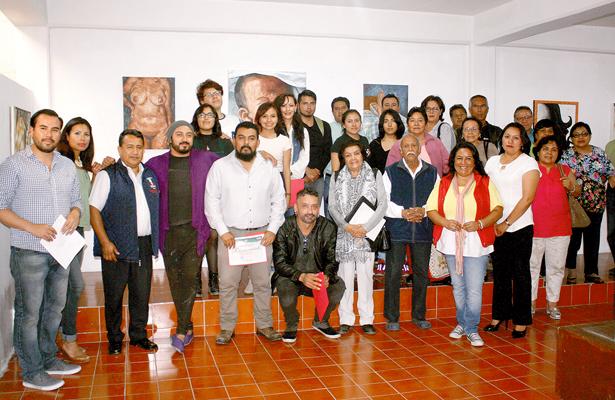 Presentan exposición pictórica en la Sala Histórica Quetzalcóatl