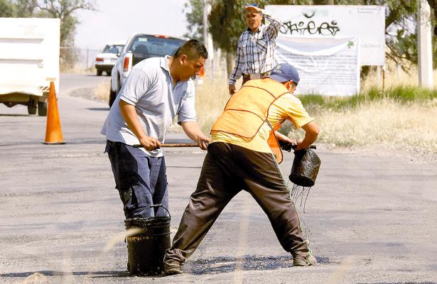 Solo tapan baches en colonias de Tolcayuca