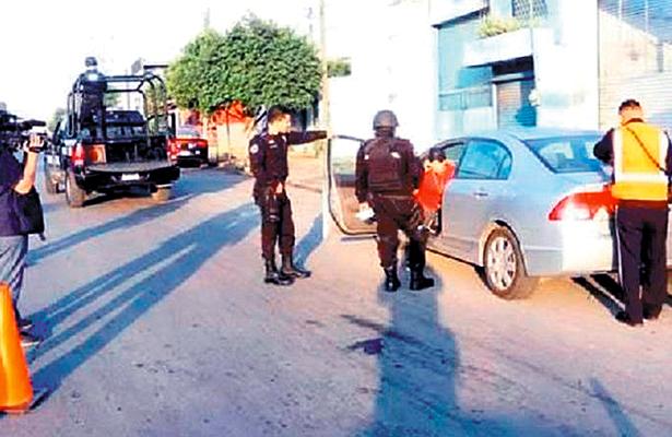 Empleada de Procu arrolló a mujer; y policías la protegen