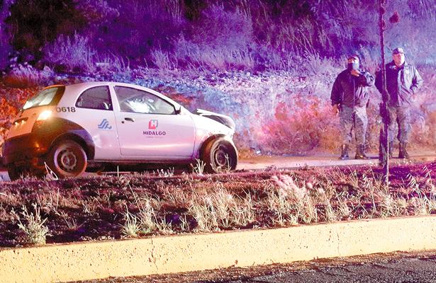 Se acabó vehículo oficial en accidente