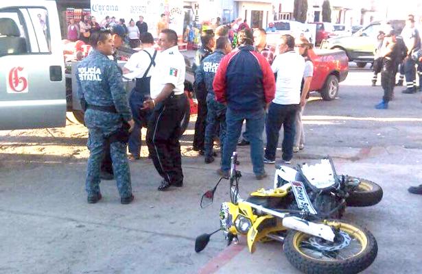 Motocicleta vs sedán