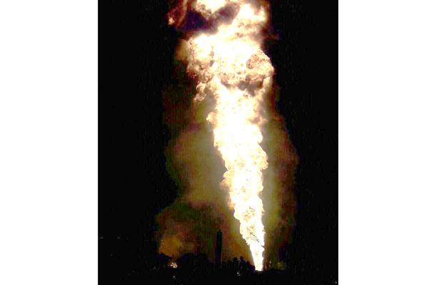 Huachicoleo provoca otra vez voraz incendio