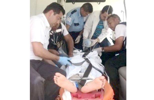 EL AFECTADO fue trasladado de emergencia a la clínica ocho del Instituto Mexicano del Seguro Social. Foto: El Sol de Hidalgo.