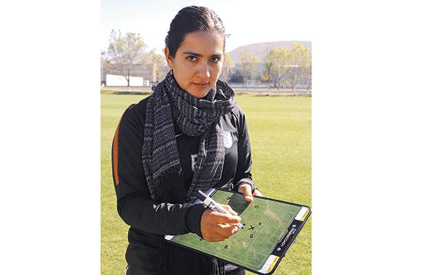 Eva Espejo prepara la estrategia. Foto: El Sol de Hidalgo.