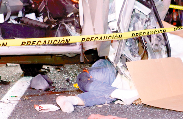 Murieron figuras de TV en impresionante choque