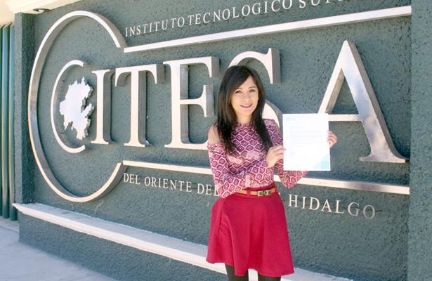 Representa alumna al Altiplano en conferencia nacional de la ANUIES