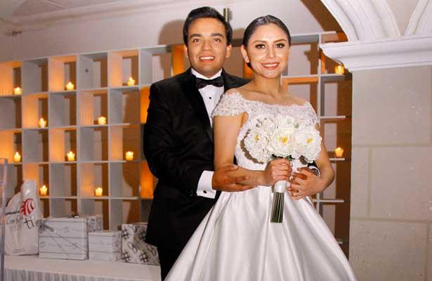 Se unieron en matrimonio Azael y Fernanda