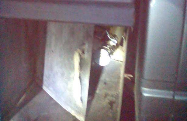 """Habilitan camioneta con """"doble tanque"""" de gasolina"""