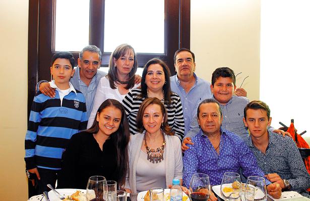 Festejó su cumpleaños Claudia Vieyra Alamilla