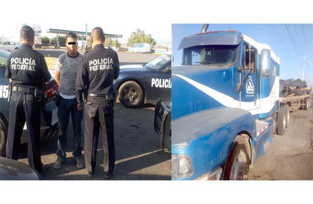 A balazos, Policía Federal recuperó tráiler