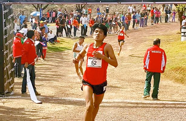 Atletas salen a dominar las veredas