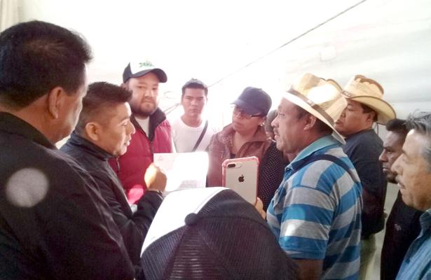 Desalojan a expositores en Ixmiquilpan