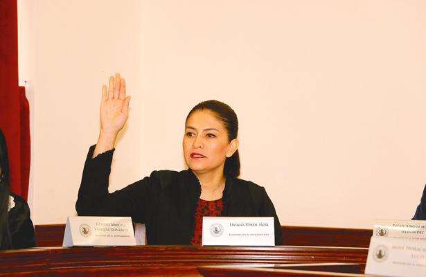 """LILIANA Verde, regidora: """"Que comparezca el secretario de Servicios Municipales para que informe"""". Foto: El Sol de Hidalgo."""