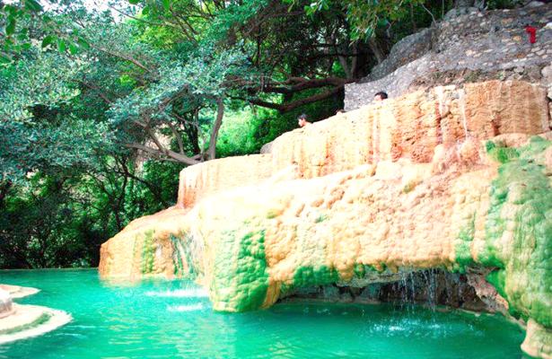 Falta promocionar aguas termales en el sector turístico