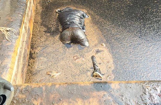 Lo hallaron muerto en una fosa