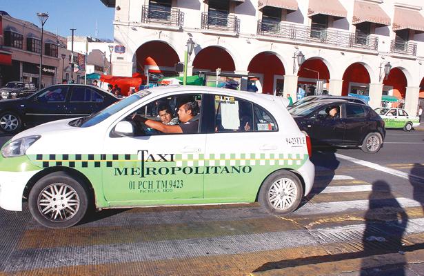 Taxistas no respetan las tarifas oficiales
