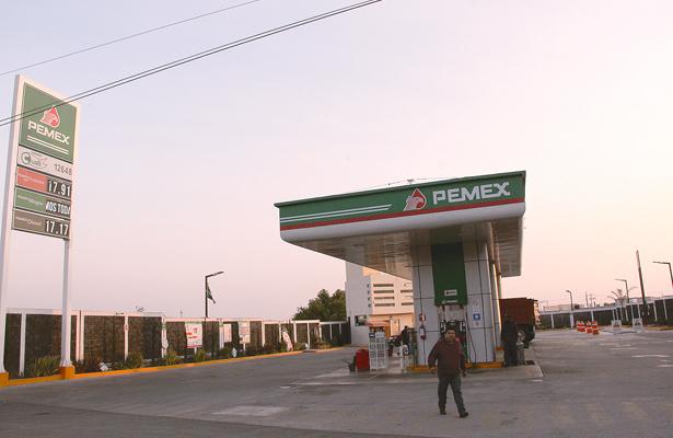 No baja precio de combustibles