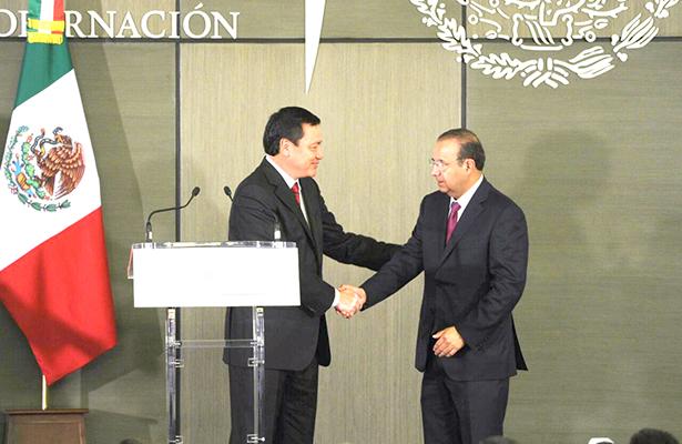 Renuncia Osorio; lo sustituye Navarrete