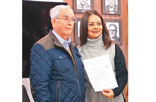 Recibieron en el PRI documentación de sus precandidatos al Senado y a diputados federales