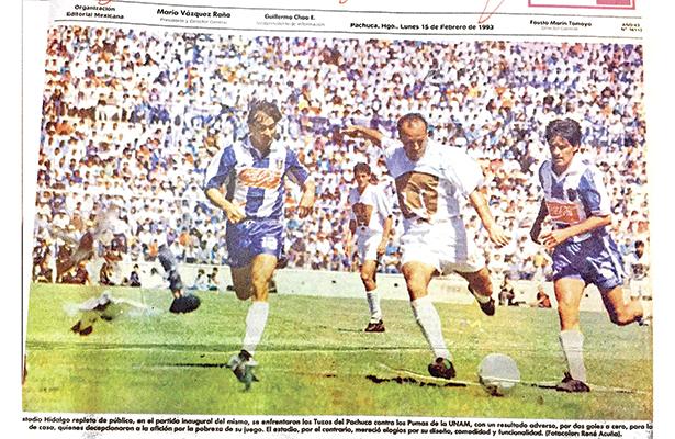 Una acción de aquél primer juego entre Tuzos y Pumas. Foto: Especial