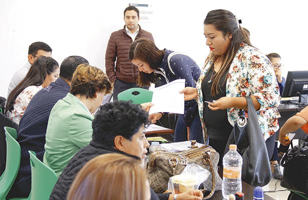 Entrega la SEP plazas a docentes de Hidalgo