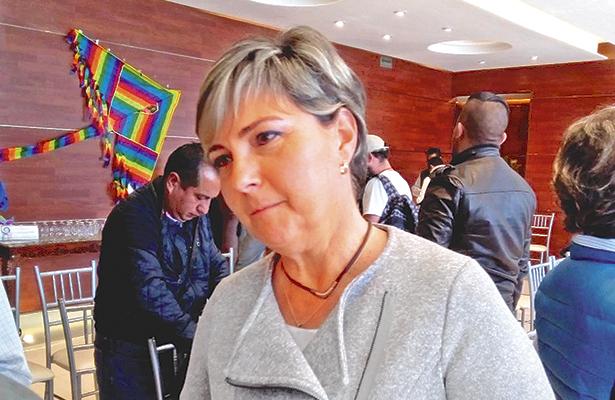 Prevé la alcaldesa más renuncias de funcionarios